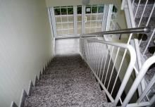 Sehr gepflegter und hochwertiger Treppenaufgang